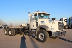 2019 MACK GRANITE MHD-GR64BR Roll-off Truck