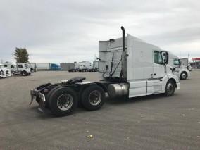 2014 VOLVO VNL 630 Highway Tractor