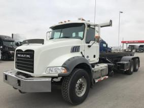 2016 MACK GRANITE MHD Roll-off Truck