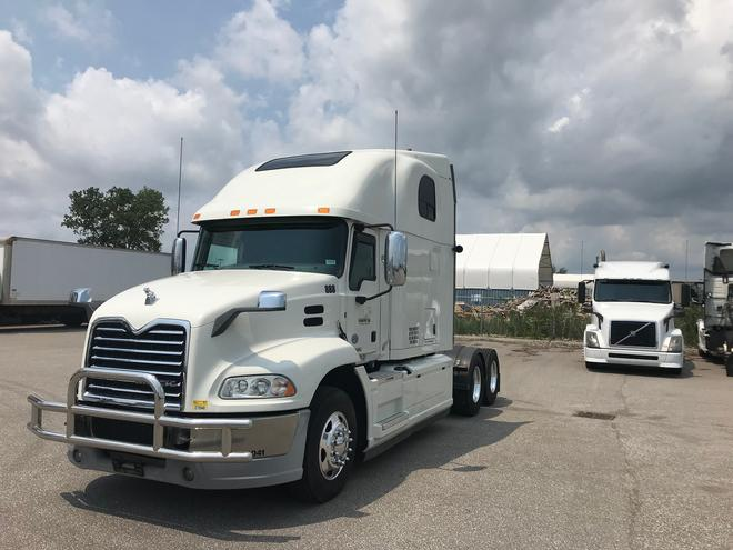 Taking the Risk Out of Buying a Used Commercial Truck